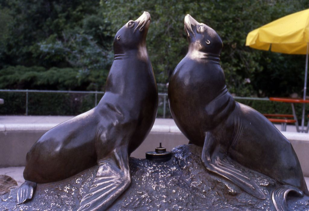 Go to the Norgren Fountain (seal fountain) page