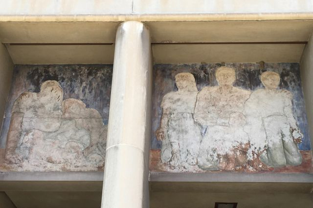 Untitled (figures in pediment)